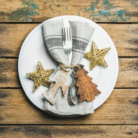 christmas-new-year-holiday-table-setting-over-PQ25K6Q